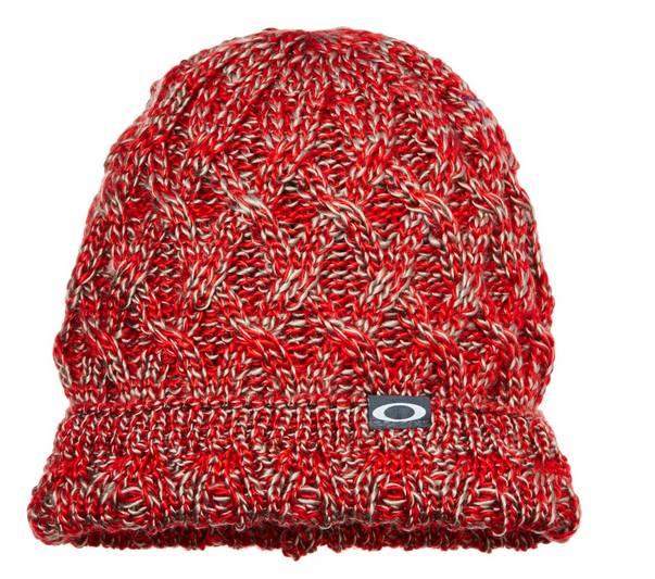 0376fcd6534847 Un nouveau bon plan   Encore une offre Oakley dans les soldes d été Amazon  avec cette fois ci (meme si pas de saison) un bonnet femme de marque Oakley  à ...